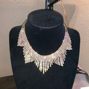 Jewelry - Silver rhinestone necklace